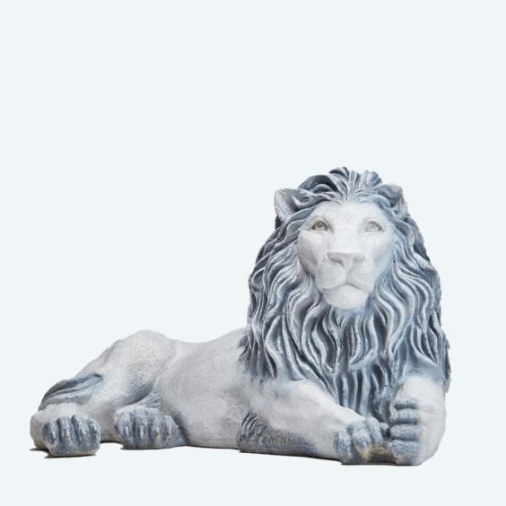 Лев лежа античный