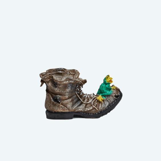 Башмак кашпо с лягушкой